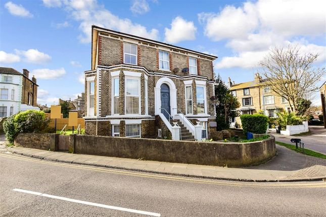3 bed flat for sale in The Vale, Broadstairs, Kent CT10