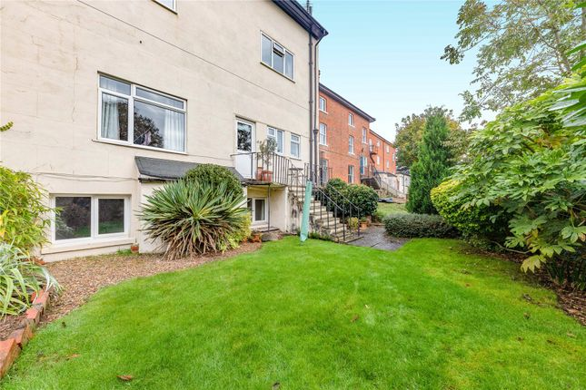 Picture No. 14 of Castle Crescent, Reading, Berkshire RG1