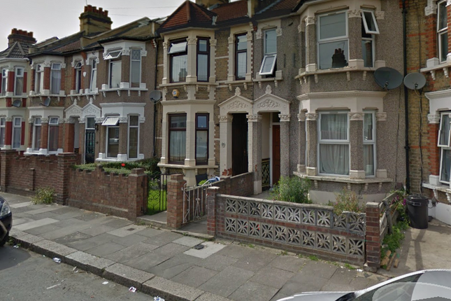 Thumbnail Semi-detached house to rent in Henley Road, Ilford