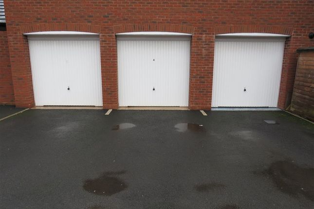 Garage of Shielding Way, Stafford ST16