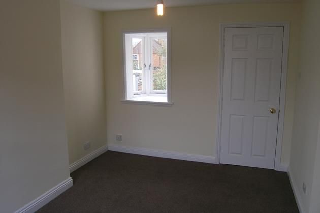 18A Reading Road Sitting Room