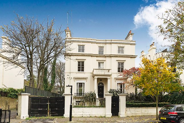Thumbnail Town house for sale in Park Place Villas, London