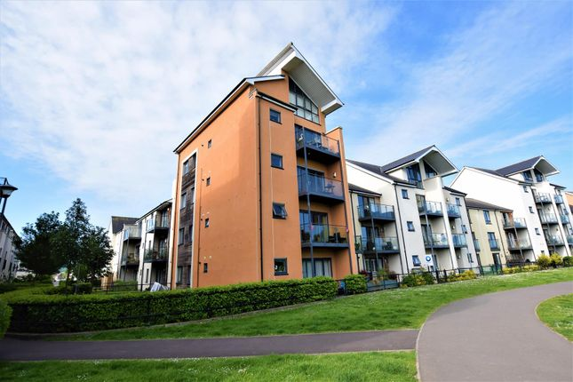 Thumbnail Flat for sale in Kingfisher Road, Portishead, Bristol