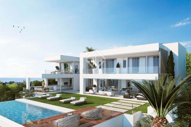 4 bed villa for sale in Spain, Andalucía, Costa Del Sol, Marbella, Atalaya, Mrb7416