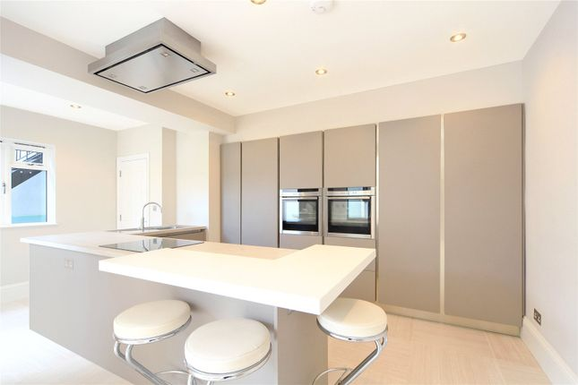 Thumbnail Terraced house for sale in Brayburne Avenue, London