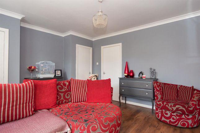 3 bedroom semi-detached house for sale in Ravenscliffe Avenue, Bradford
