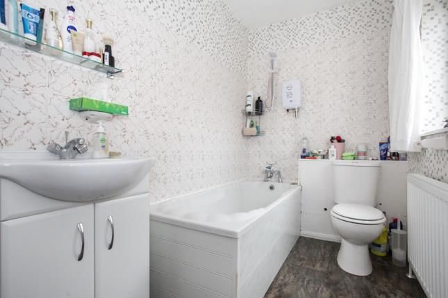 Bathroom of Downlands Court, Browning Road, Luton, Bedfordshire LU4