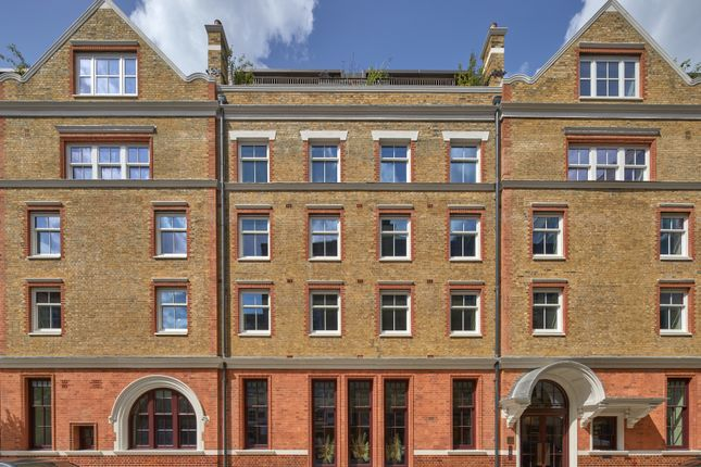 Thumbnail Flat for sale in Parker Street, London