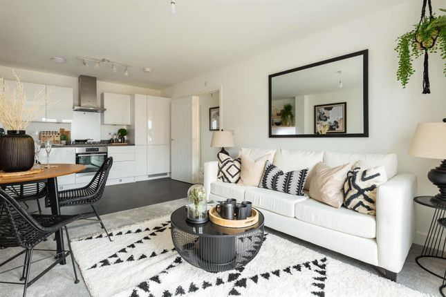 Thumbnail Flat for sale in Guildford Avenue, Kingsmead, Milton Keynes