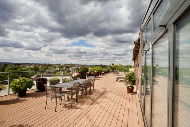 Thumbnail Flat for sale in Hodford Road, London