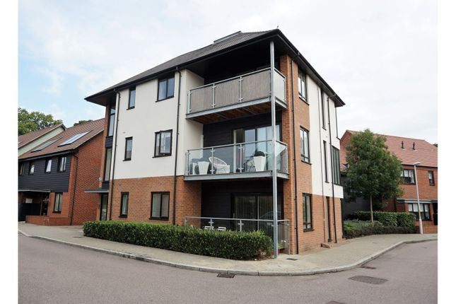 Thumbnail Flat for sale in 2 Beadsman Crescent, West Malling