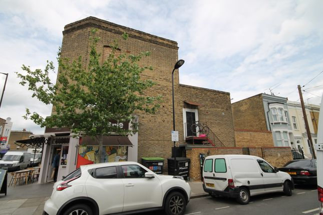 Thumbnail Duplex to rent in Chatsworth Road, Hackney