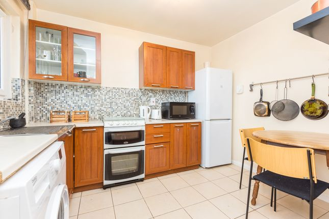 Thumbnail 4 bed maisonette to rent in Aveline Street, London