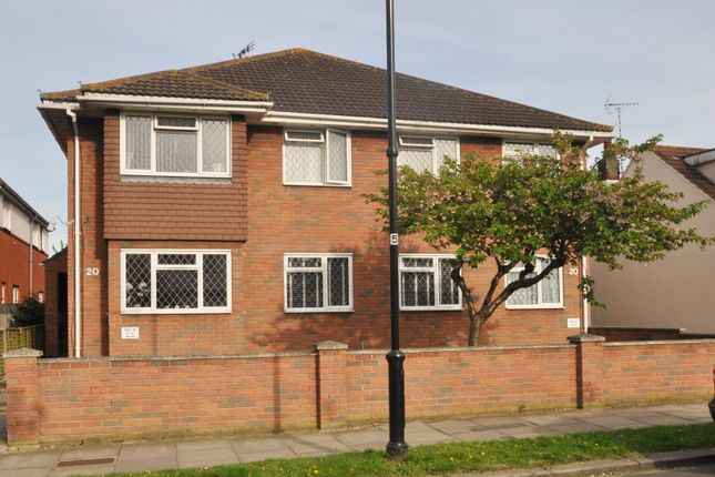 Thumbnail Flat for sale in Eastbourne Grove, Westcliff-On-Sea