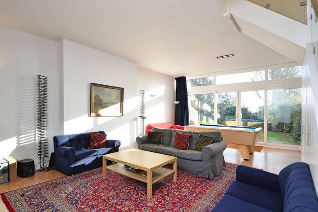 Thumbnail Property to rent in Lansdowne Close, West Wimbledon