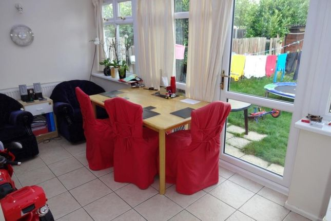 Dining Area of De Havilland Road, Edgware HA8