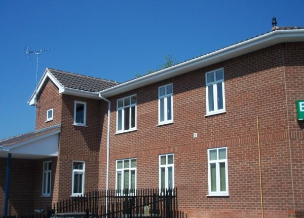 Thumbnail Flat to rent in Beverley Road, Stone Cross, West Bromwich