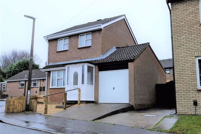 Thumbnail Detached house for sale in Hollyrood Close, Barry, Vale Of Glamorgan