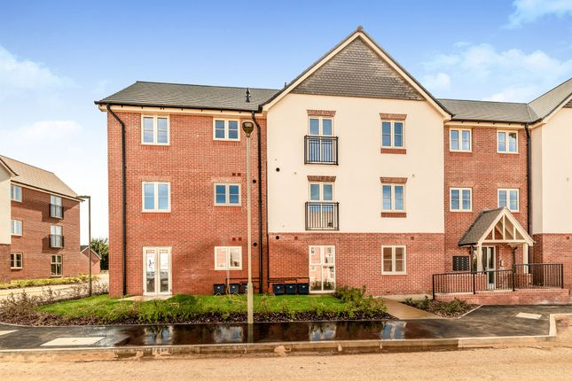 Thumbnail Flat for sale in Bretch Hill, Banbury