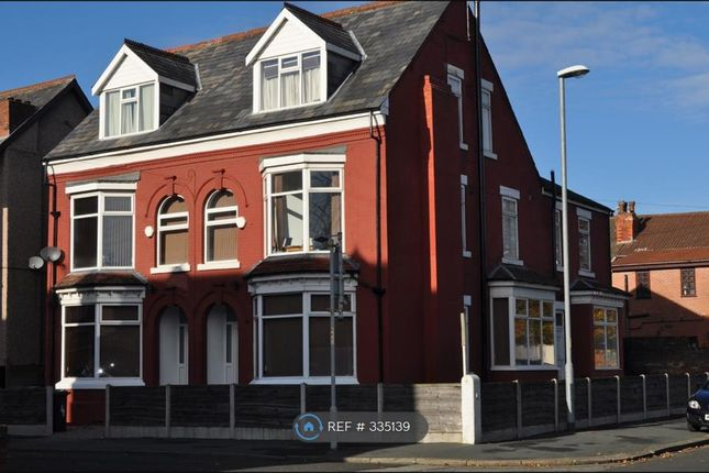 Thumbnail Semi-detached house to rent in Curzon Avenue, Manchester