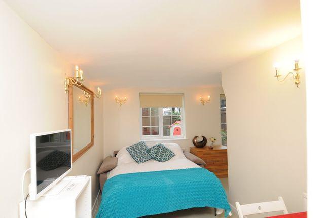 Thumbnail Studio to rent in Milton Close, Henley-On-Thames