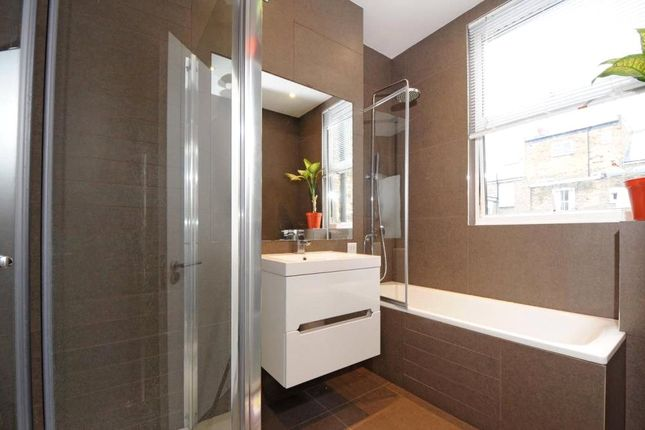 Bathroom of Fermoy Road, London W9
