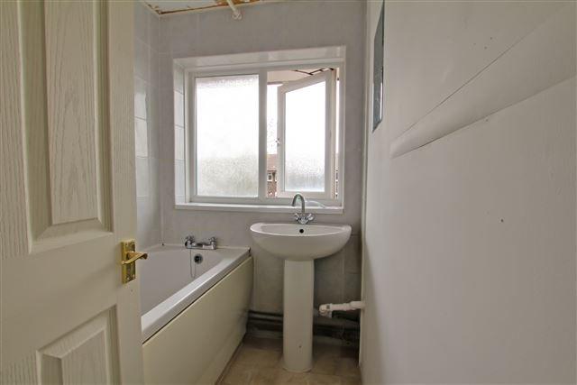Bathroom of Gresham Walk, Tilgate, Crawley RH10