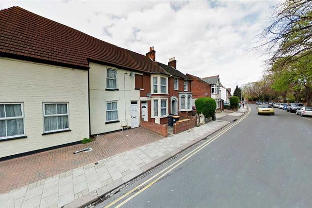 Thumbnail Shared accommodation to rent in Foster Hill Road, Bedford