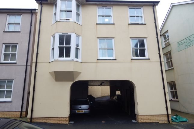 Thumbnail Flat to rent in Queens Road, Aberystwyth