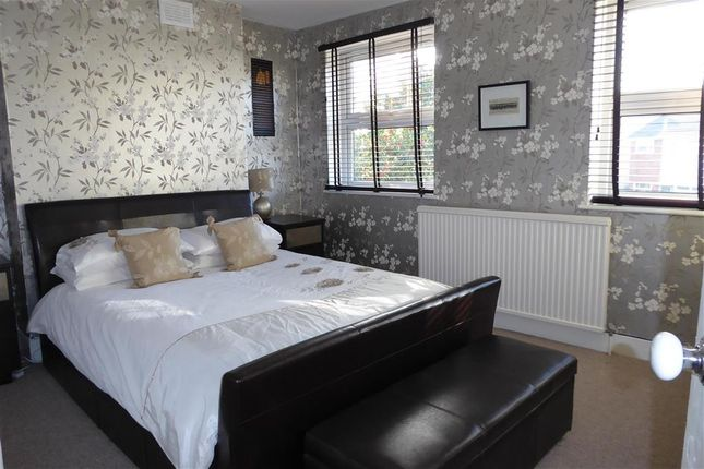 3 bed semi-detached house for sale in Nightingale Lane, London