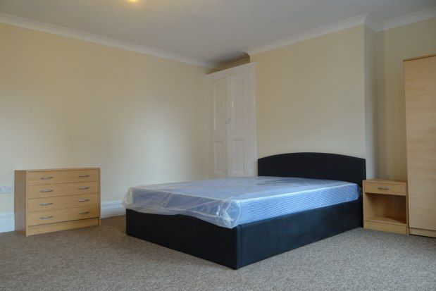 Thumbnail Room to rent in Kingston Road, Portsmouth