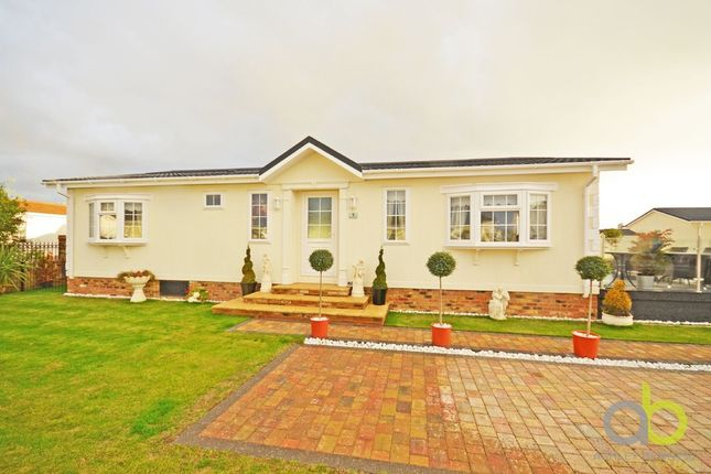 Thumbnail Mobile/park home for sale in Kings, Kingsmere Close, Canvey Island