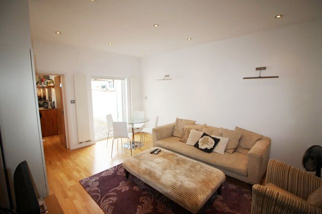 Thumbnail Flat to rent in Elthorne Park Road, London