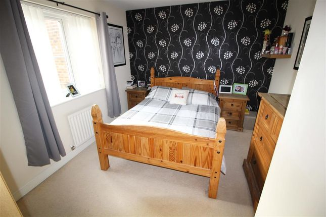 Master Bedroom of Cobblestones Drive, Ilingworth, Halifax HX2