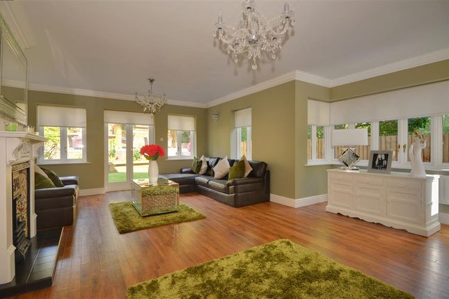 5 bed detached house for sale in Treetops View, Loughton, Essex