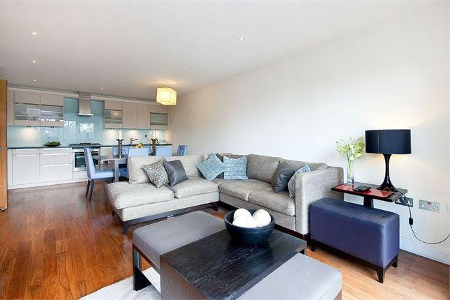 2 bed flat to rent in Clerkenwell Road, Clerkenwell EC1M