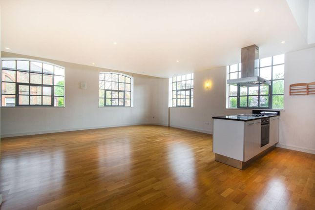 Thumbnail Flat for sale in Yvon House, Battersea Park