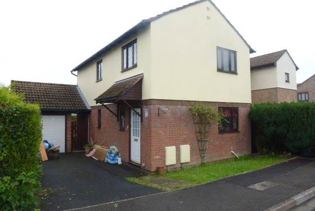 3 bed detached house to rent in Lon Y Plas, Johnstown, Carmarthen SA31