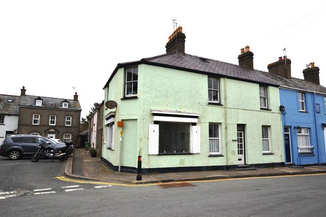 Thumbnail Flat for sale in Castle Street, Criccieth