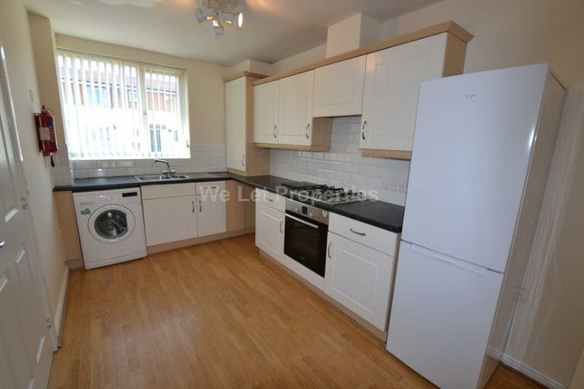 Thumbnail Property to rent in Torquay Close, Manchester