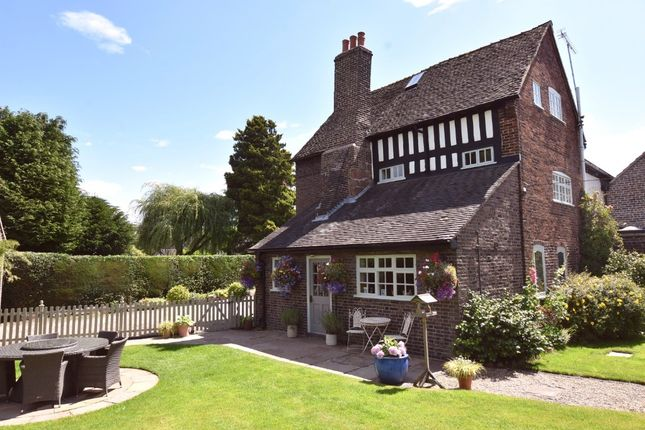 Thumbnail Cottage for sale in Barhill, Bar Hill, Madeley