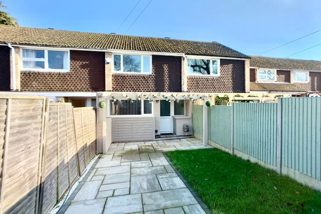 Thumbnail Terraced house to rent in Grange Gardens, Bedford