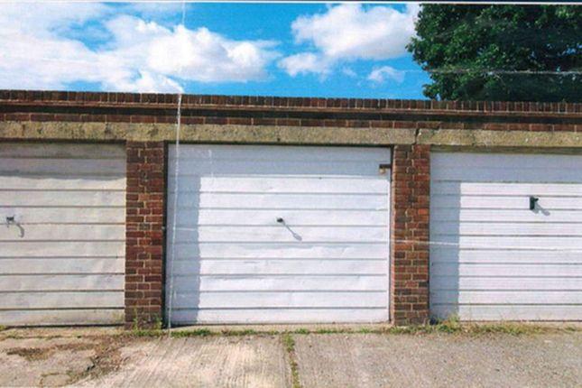Property to rent in Farhalls Crescent, Horsham