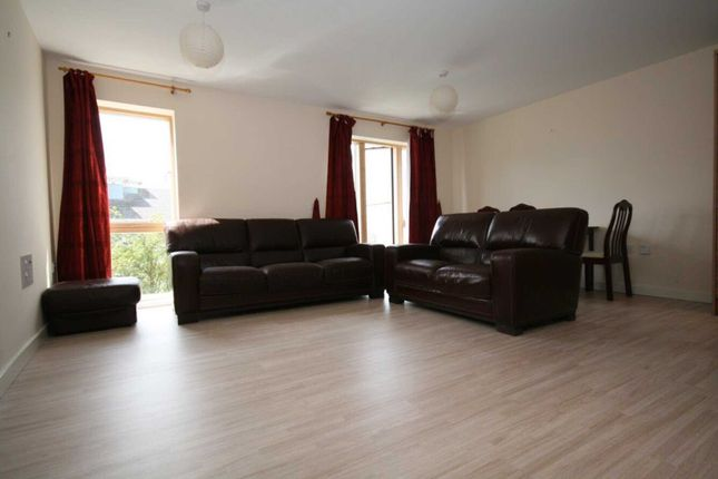 Thumbnail Flat to rent in Trout Road, Yiewsley, West Drayton