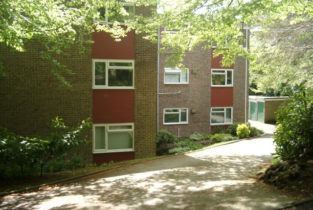 Thumbnail Flat to rent in Flat At Merrion Court, 55 Bournemouth Road, Lower Parkstone, Poole, Oen