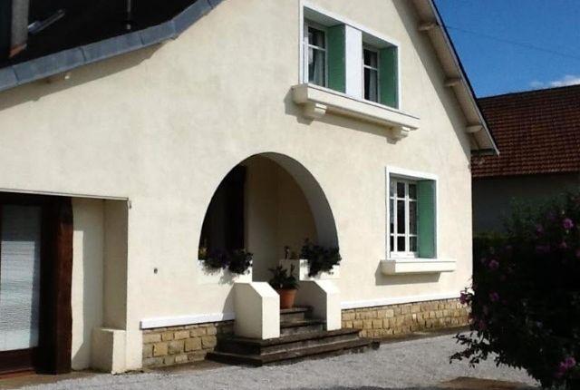 Detached house for sale in Chasseneuil-Sur-Bonnieure, Charente, Poitou-Charentes, France