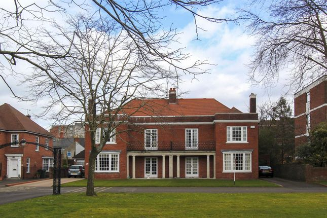 Thumbnail Semi-detached house to rent in Queen Anne Square, Cathays, Cardiff