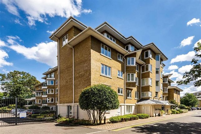 Thumbnail Flat to rent in Strand Drive, Kew, Richmond