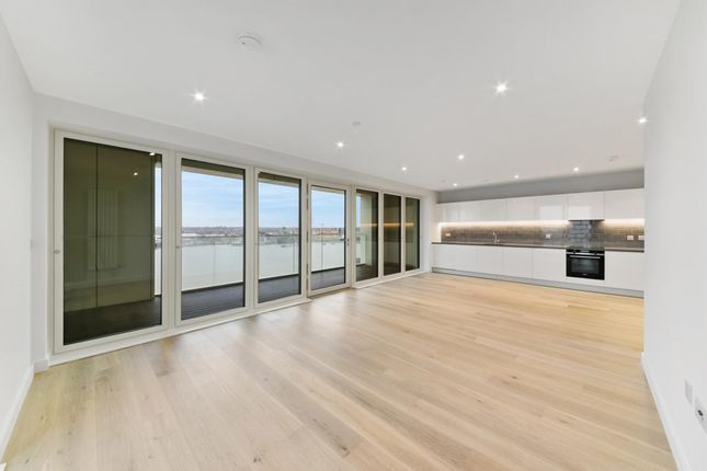 Thumbnail Flat for sale in 17.11.04 James Cook House, Royal Wharf