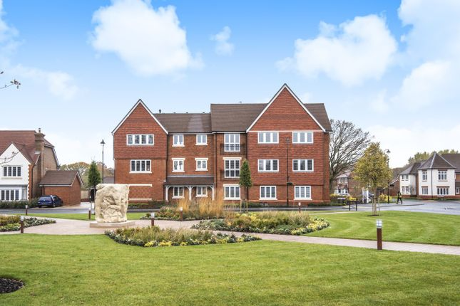 Thumbnail Flat for sale in Eversfield House, Highwood Village, Horsham